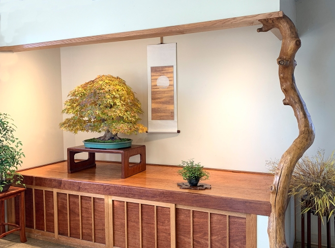 JAPANESE MAPLE MOON ALCOVE